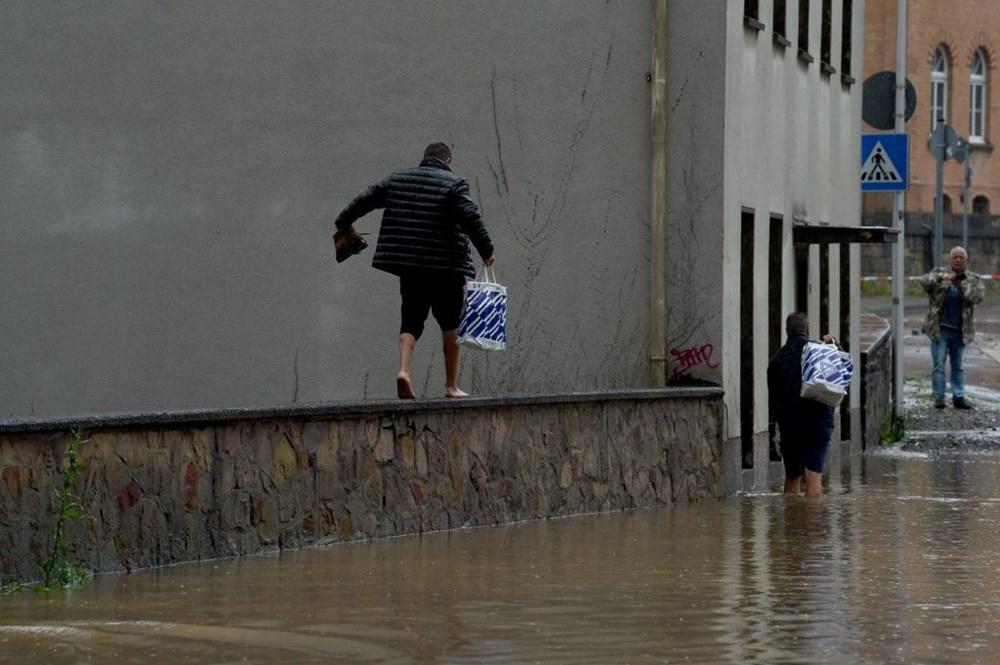 Almanya'da sel: 33 kişi hayatını kaybetti - 21