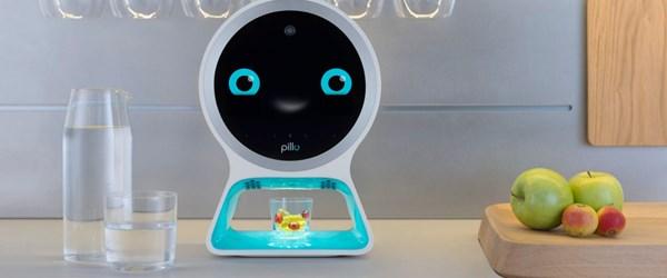 İlaç vaktini hatırlatan ve doktor randevularını takibe alan robot geliştirildi
