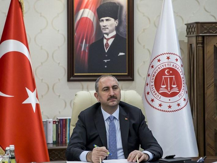 Adalet Bakanı Gül'den Ankara Barosuna kınama