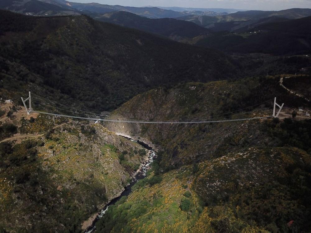 Yayalara özel en uzun asma köprü açıldı - 8