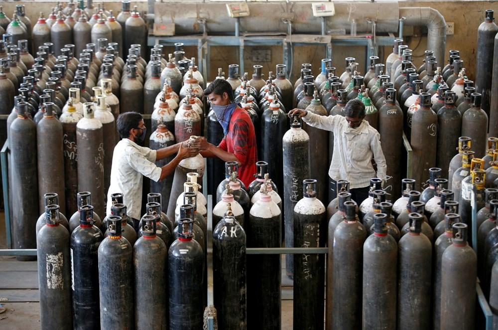 Hindistanda Covid-19 böhranı gündən-günə ağırlaşır: Oksigen və remdesivir qara bazara çıxarıldı