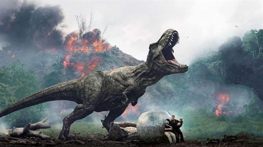 Sony ve Universal tüm filmlerini erteledi - 13
