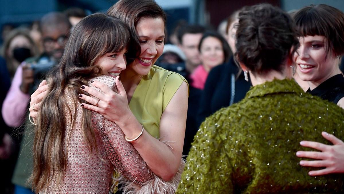 Ünlü yıldızlar The Lost Daughter galasında buluştu
