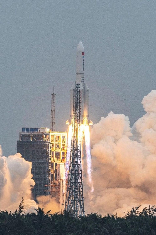 Çin'in kontrolden çıkan roketi ilk kez görüntülendi - 9
