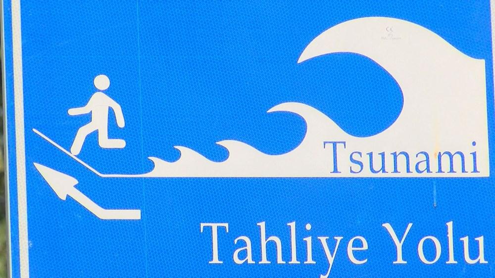 İstanbul'da 'tsunamiden kaçış' tabelaları - 5