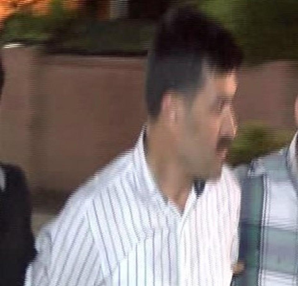 Can Dündar'a yönelik silahlı saldırıyı gerçekleştiren Murat Şahin sağlık kontrolünden geçirildi.