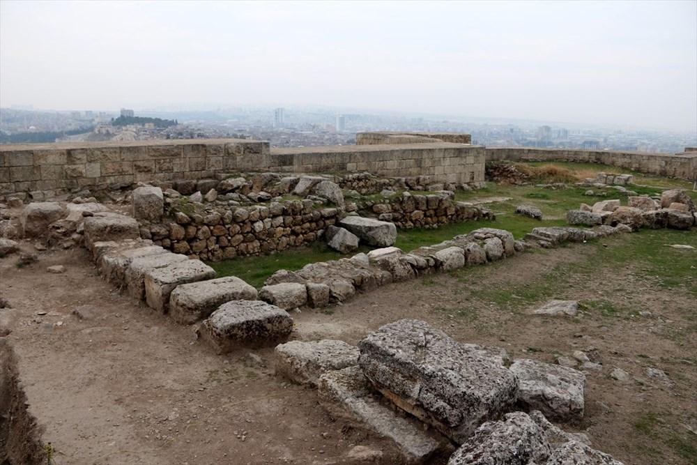 Urfa'nın tarihi kalesi gün yüzüne çıkarılıyor - 4