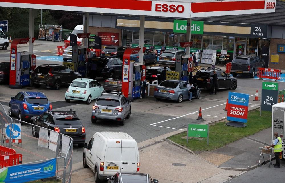 İngiltere'de yakıt krizi giderek büyüyor - 12
