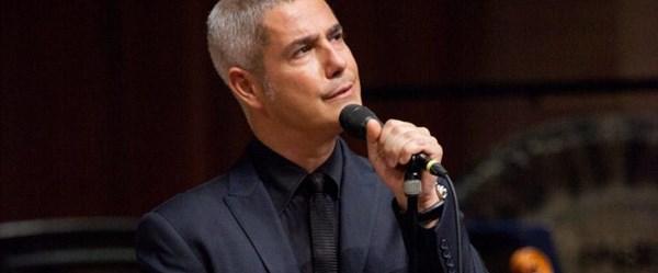 Dünyaca ünlü İtalyan tenor Alessandro Safina sokak hayvanları için geliyor