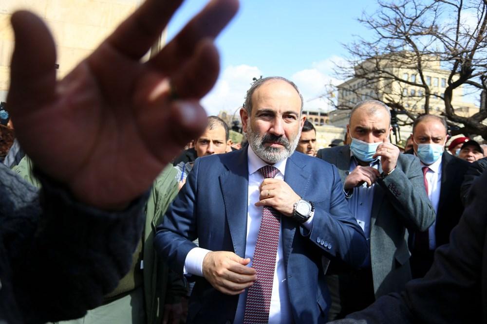 Ermenistan'da darbe girişimi: Paşinyan destekçileri ve karşıtları meydanlara çıktı - 15