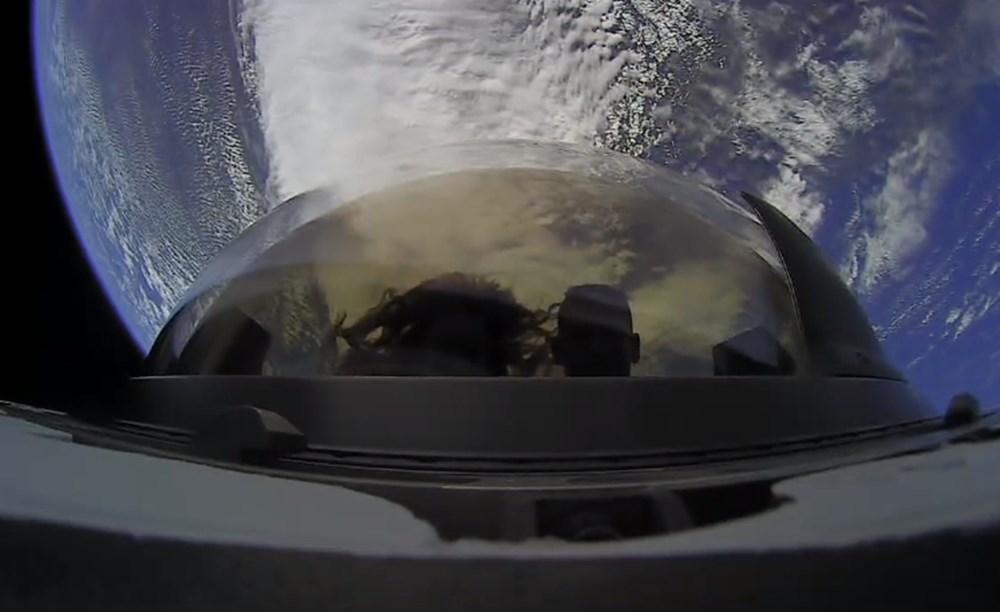 Musk'tan uzayda tuvalet açıklaması: Uzay turistleri döndü - 5