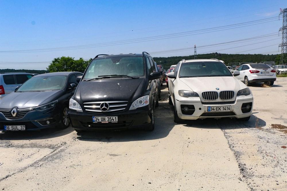 Servet değerindeki otomobiller çürümeye terk edildi - 3