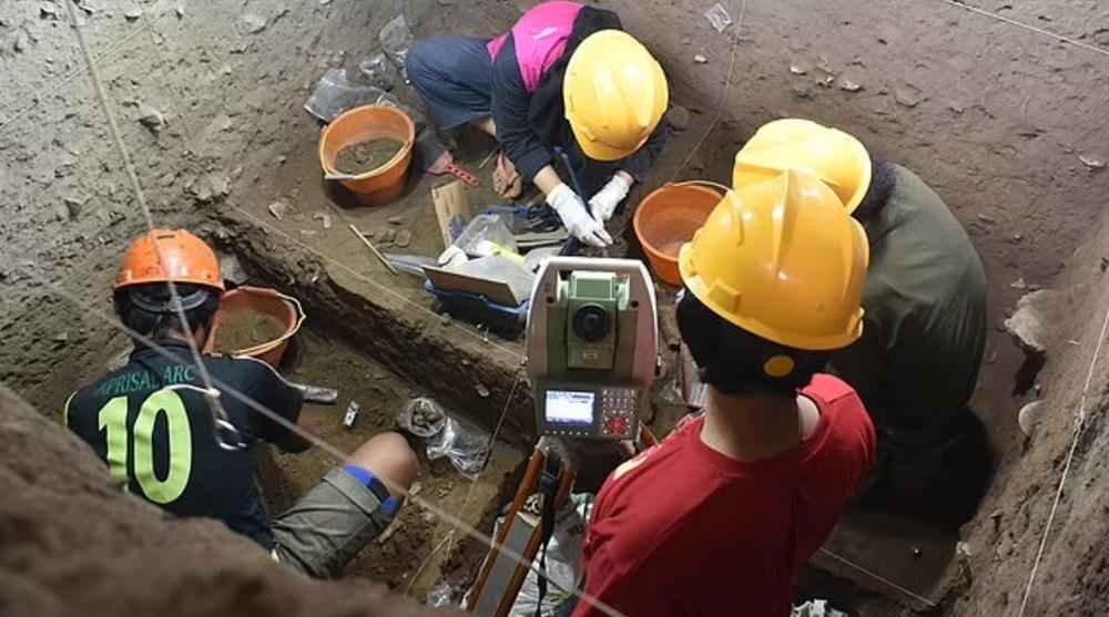 Endonezya'da 7 bin 200 yıl önce ölen kadının DNA örneği keşfedildi - 6