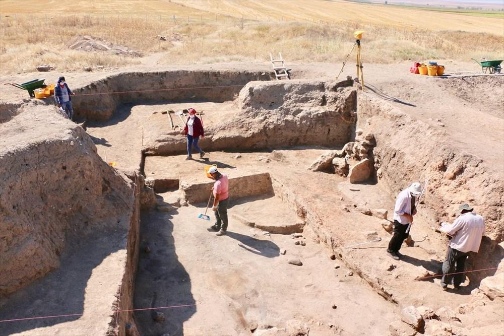 Eskişehir Küllüoba kazısında 5 bin yıllık boya paleti bulundu - 2