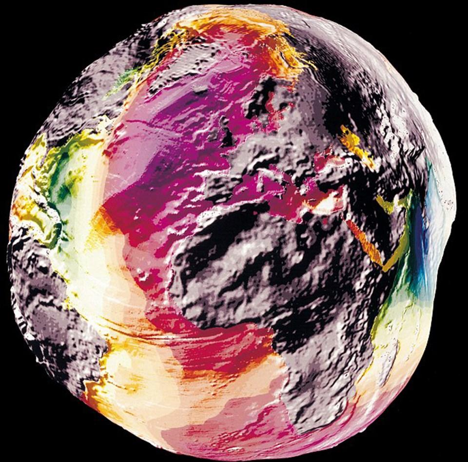 Dünya'nın 1995 yılında çekilen yerçekimi fotoğrafı.