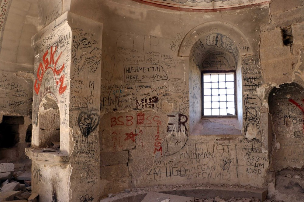 Definecilerin tahrip ettiği tarihi kilise, restore edilecek - 5