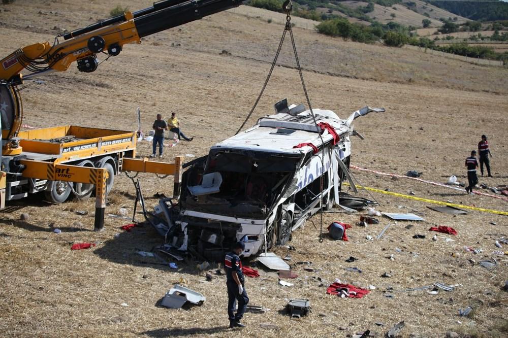 Balıkesir'de yolcu otobüsü devrildi: 15 kişi hayatını kaybetti - 34