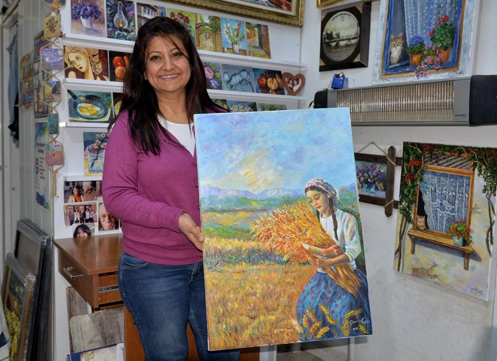 Hataylı ressam Perihan Çapar 'spatula' kullanarak eşsiz eserlere imza atıyor - 6