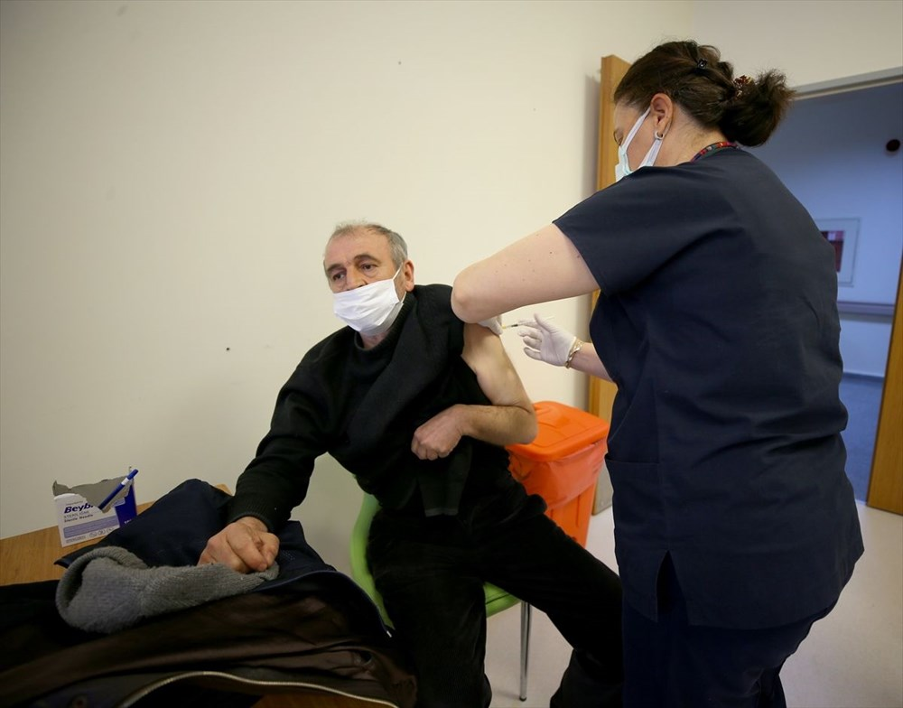 Citizens aged 55 and over started to be vaccinated against Covid-19 - 11