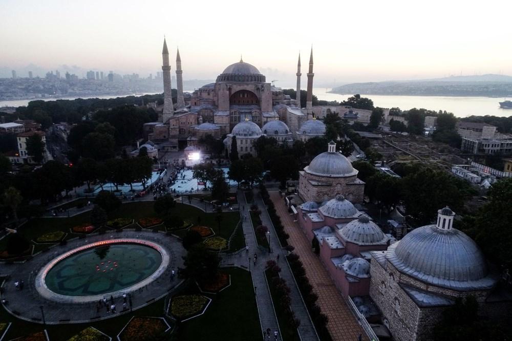 Crowd does not decrease in Hagia Sophia - 25