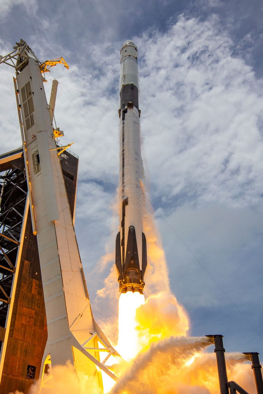 NASA'nın kargo gemisi istasyona kenetlendi - 4