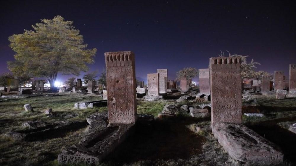 Dünyanın en büyük Türk-İslam mezarlığı: Ahlat Selçuklu Meydan Mezarlığı - 9