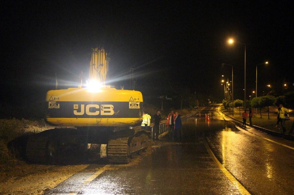 Düzce'de dere taştı, yol çöktü: Kentte sağanak etkili oldu - 24