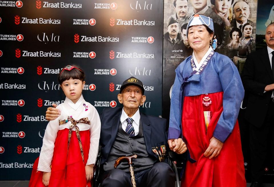 Kore Gazisi Emekli Astsubay Süleyman Dilbirliği ve eşi Nimet Dilbirliği birlikte son yolculuklarına uğurlandı