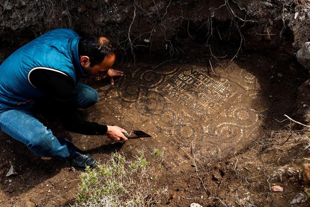İzmir'de kaçak kazı sırasında manastır ve 1500 yıllık mozaik bulundu - 13