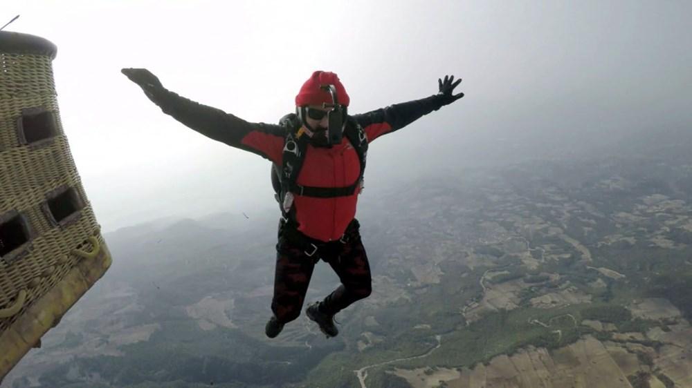 Hayko Cepkin, Pamukkale'de balondan paraşütle atladı - 4