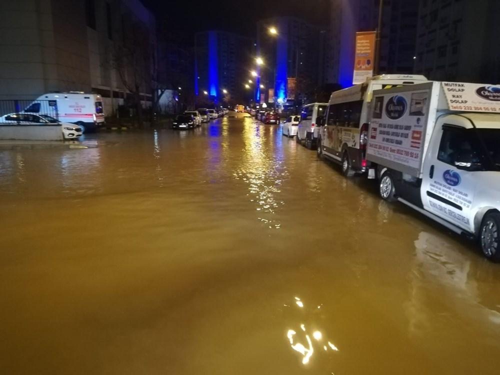 İzmir'i sel vurdu: 2 can kaybı - 3
