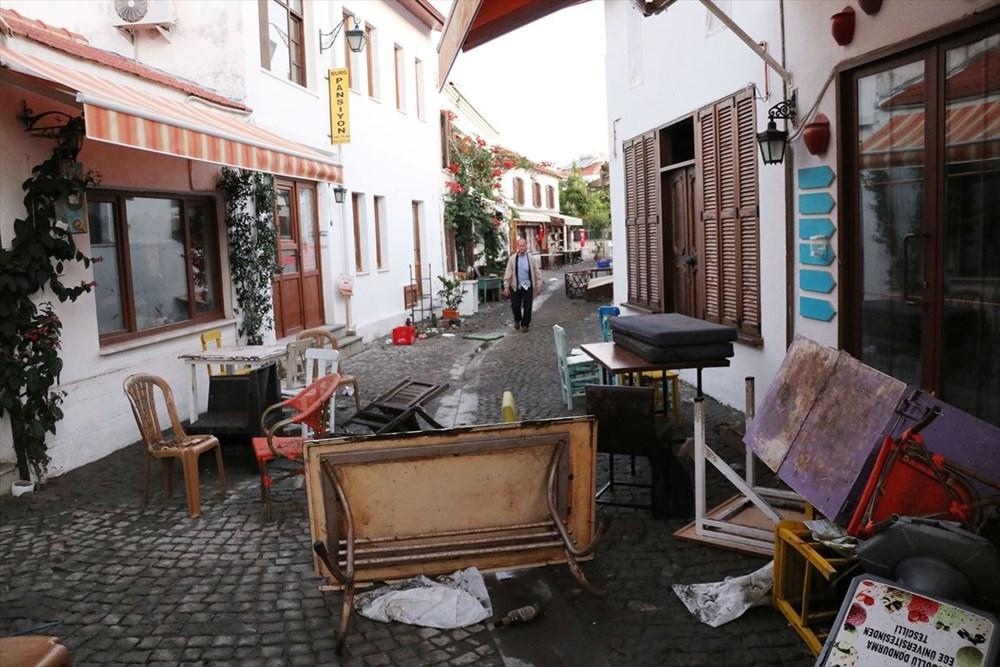 Tsunaminin vurduğu Seferihisar görüntülendi - 15