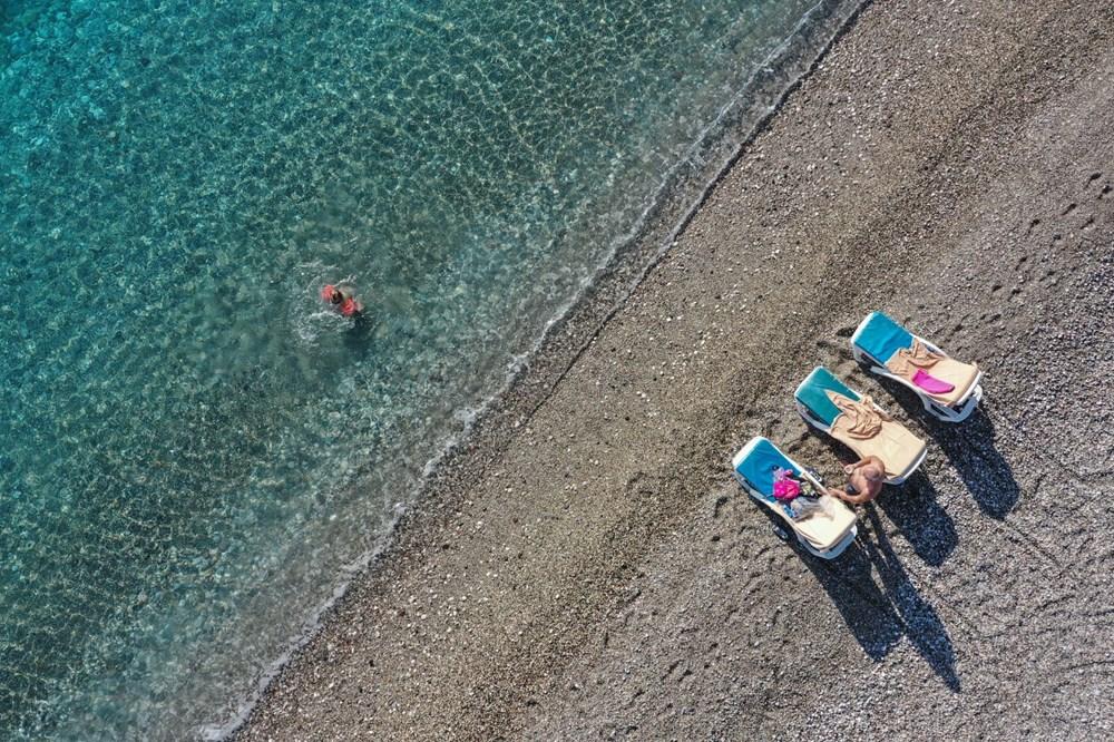Antalya'da sahiller turistlere kaldı - 12