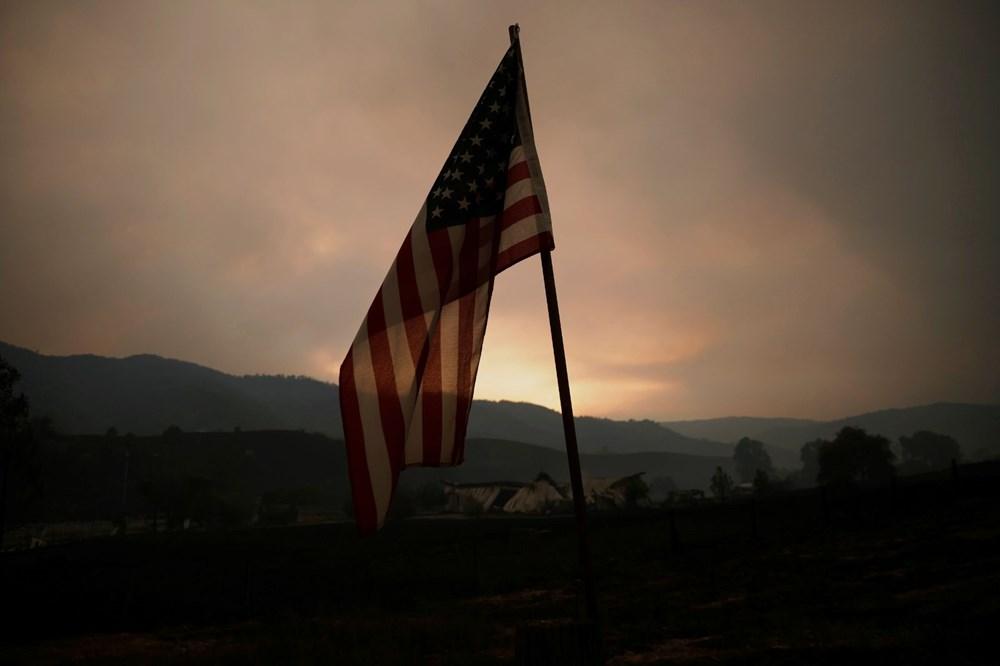 California'da yangınlar kontrol altına alınamadı: Bir helikopter düştü - 4