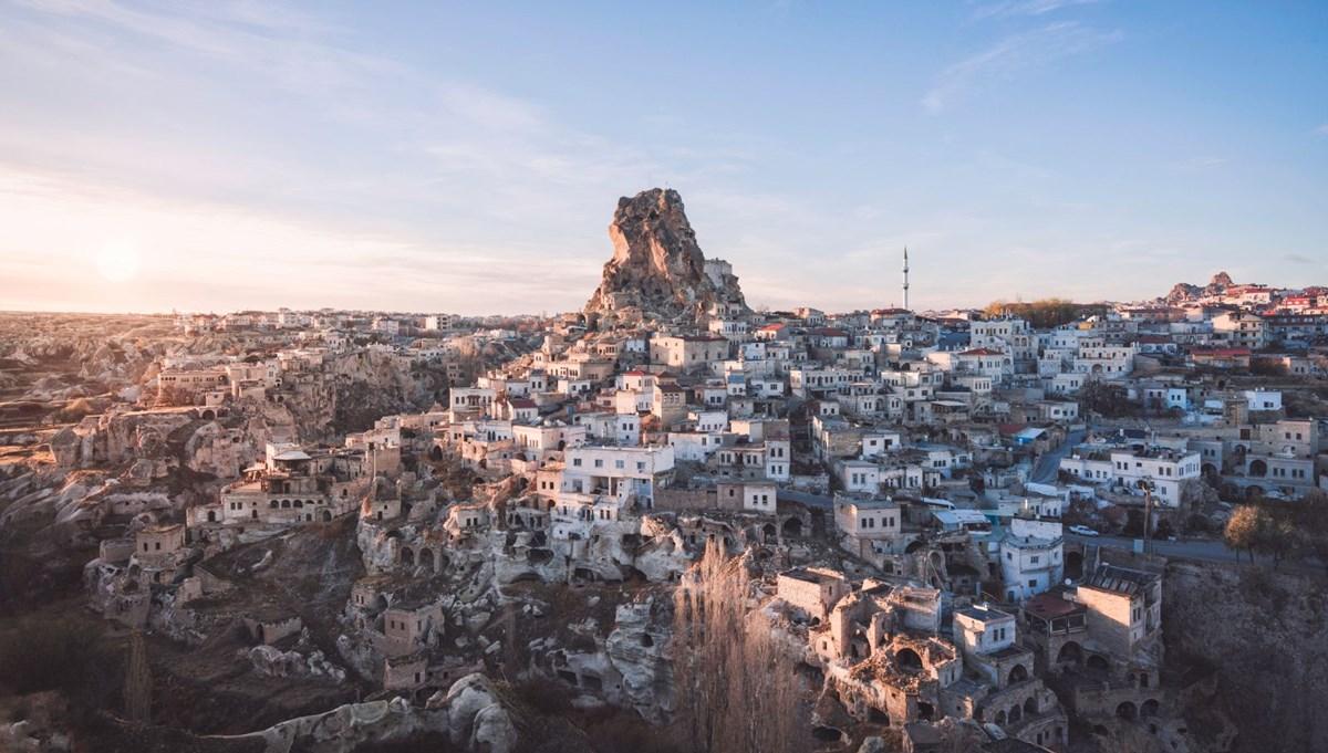 'Dünyanın en yüksek peri bacası' Uçhisar'a ziyaretçi akını