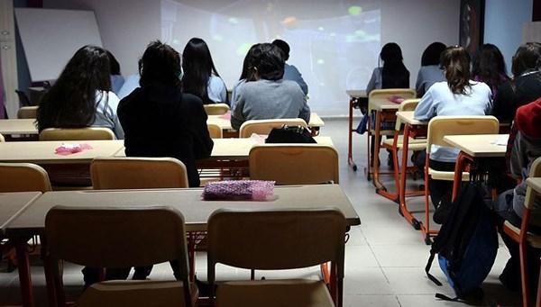 Ziya Selçuk açıkladı: Liselerde sınıf geçmeyle ilgili yeni yönetmelik yolda