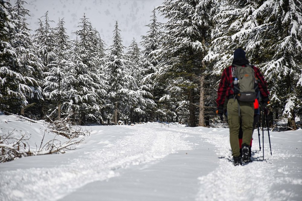'Beyaz gelinliğini' giyen Toroslar doğa yürüyüşçülerinin gözdesi oldu - 6