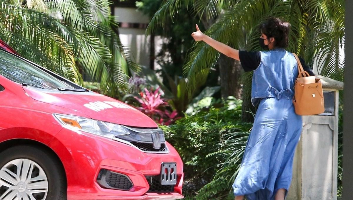 Camila Cabello direksiyon dersi alıyor