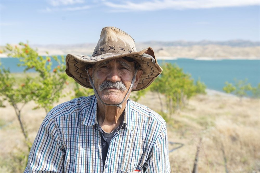 Doğaya kaçış hikayeleri: 'Robinson Ziya'nın Keban Baraj Gölü'ndeki adada huzurlu yaşamı - 8
