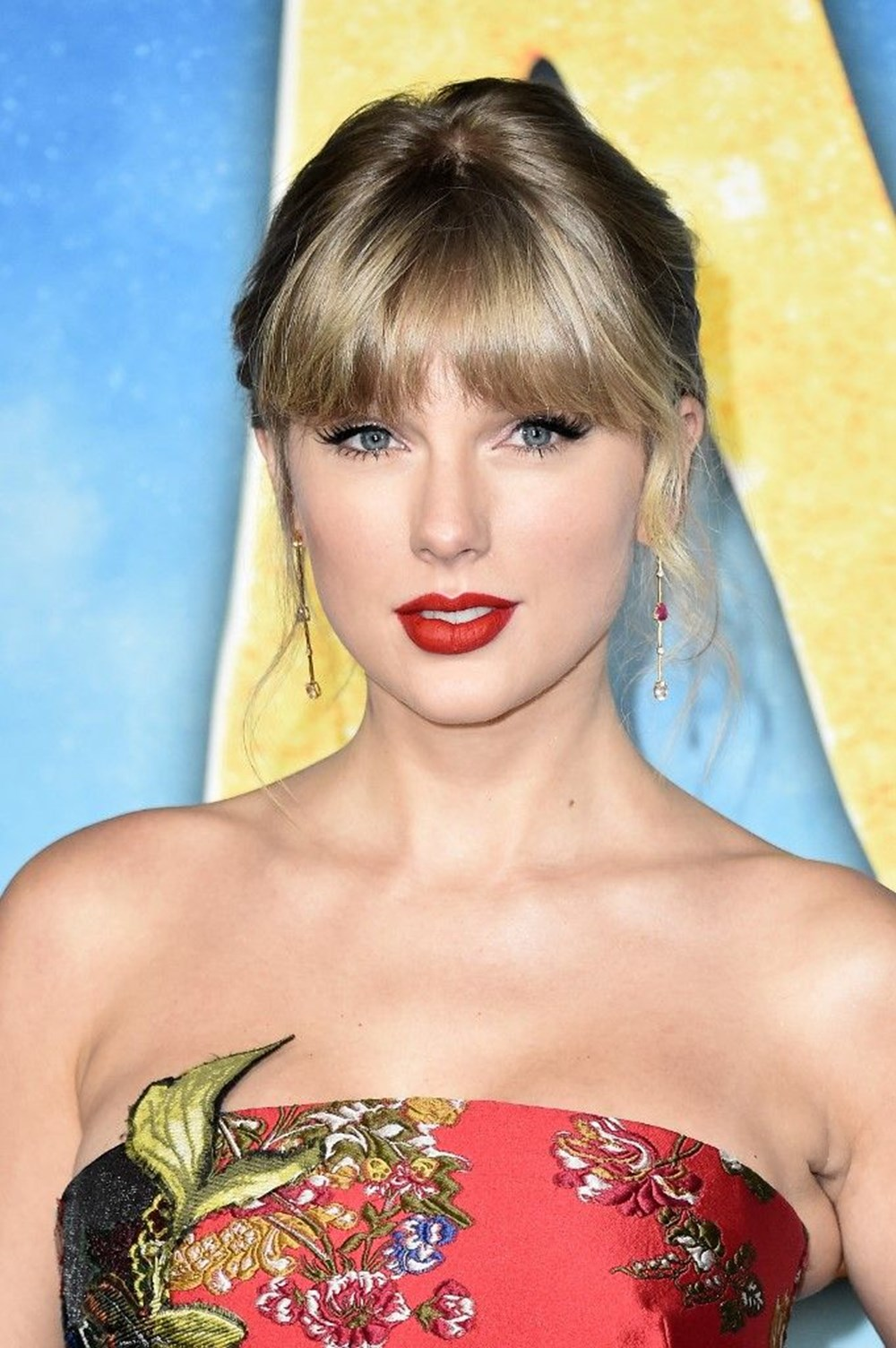 Taylor Swift'in Folklore albümü Billboard 200 zirvesinden inmiyor - 4