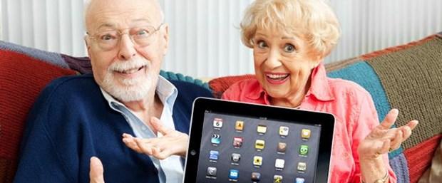 yaşlılar ve sosyal medya ile ilgili görsel sonucu