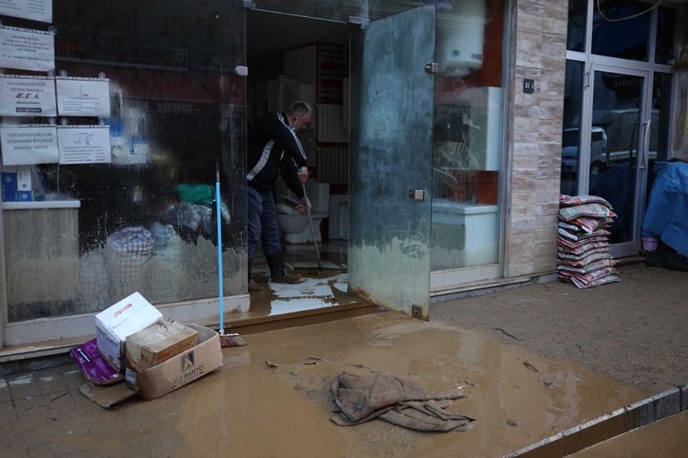 Rize'de sel ve heyelan afetinin hasarı gün ağarınca ortaya çıktı - 15