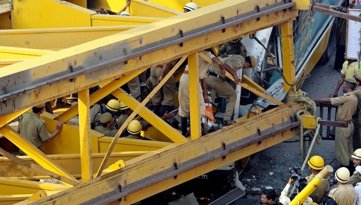 Hindistan'da limanda vinç devrildi: 9 işçi öldü