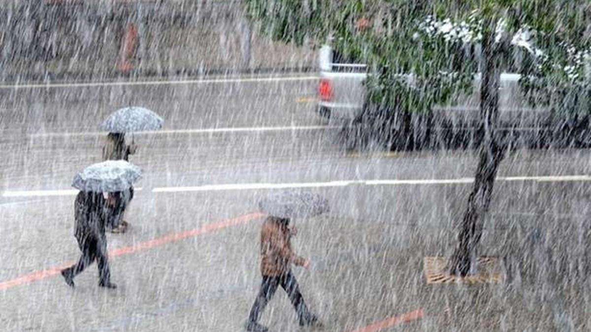 Hava durumu: İstanbul'u sağanak ve dolu vurdu (Bugün hava nasıl olacak?)    NTV