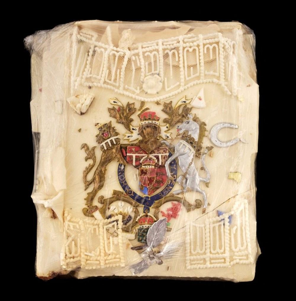 Prens Charles ve Diana'nın düğün pastası bin 850 sterline satıldı: Yemeyin uyarısı yapıldı - 2