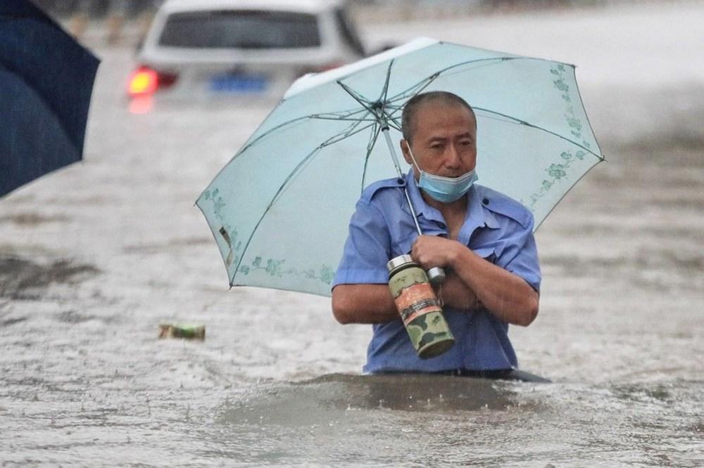 Çin'de 'bin yılın en şiddetli yağmuru' sele neden oldu: 12 kişi hayatını kaybetti - 7