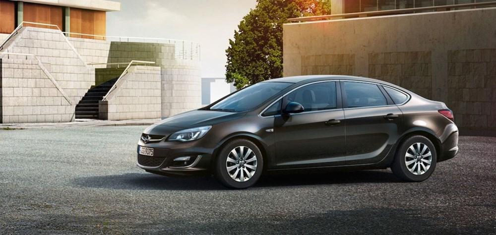 <p>Astra Sedan Edition Plus1.4 Benzinli MT-6 140 HP</p> <p>Haziranayı kampanyalı fiyatı146.800 TL</p>