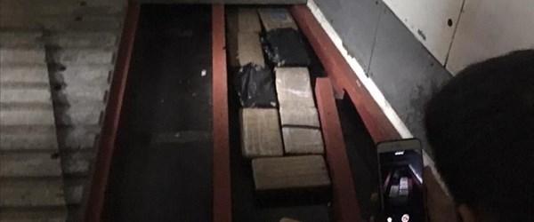 Muz yüklü gemide kokain bulundu