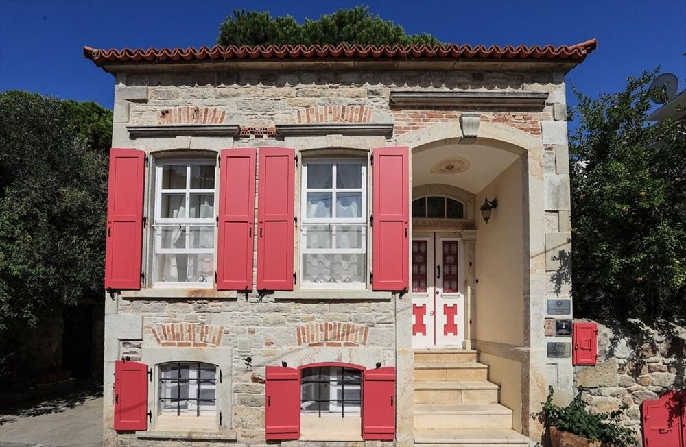 Foça'nın asırlık taş evleri yıllara meydan okuyor - 7