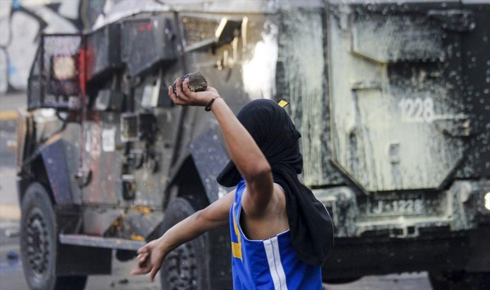 Şili'deki protestoların yıldönümü yaklaşırken sokaklarda tansiyon artıyor - 1